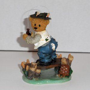 NWOT - Bear Fishing and Catching Itself Figurine